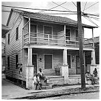 Click on photograph to enlarge view of 2328 Toledano Street, New Orleans